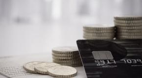 Можно ли пользоваться чужой банковской картой