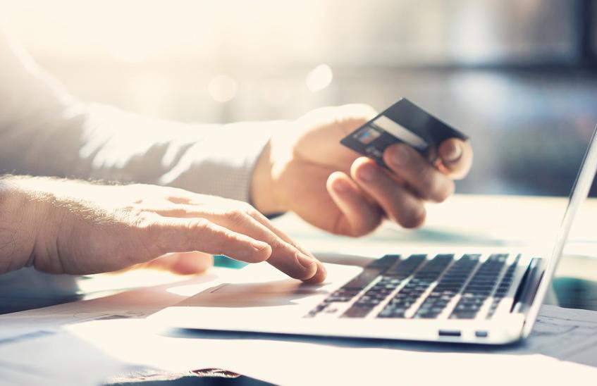Можно ли снять наличные с кредитной карты